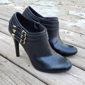 Fioni Black Ankle Heeled Booties - 11
